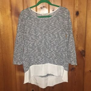 Sweaters - Beautiful light weight sweater